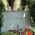 Grab der Sängerin Alexandra